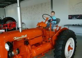 jede traktor je to Zetor…